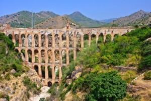 64_antiguo-acueducto-en-nerja-costa-del-sol-espana